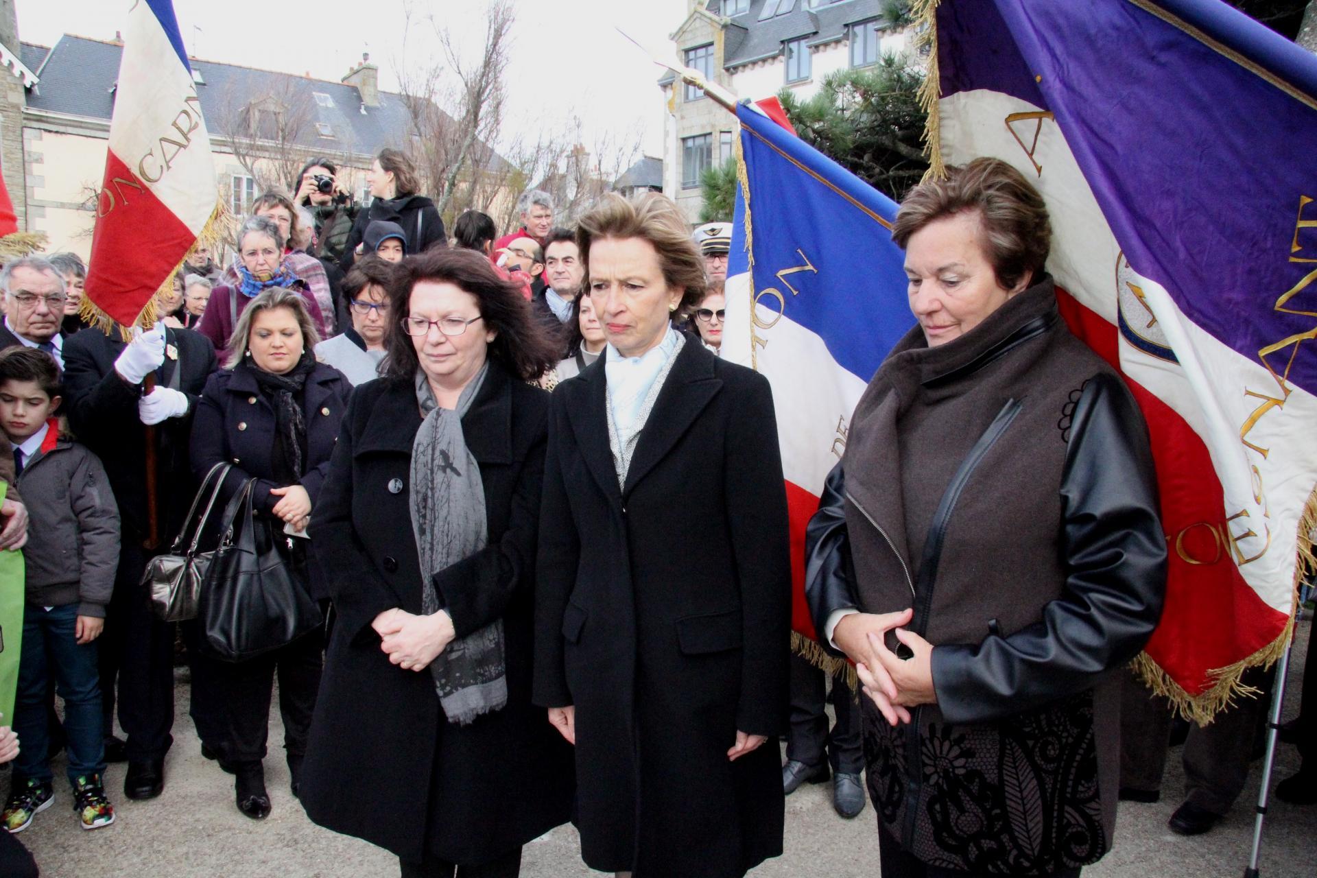 Hommage aux oubliés en pRésence De Cécile Pozzo Di Borgo, Préfet Administrateur des TAAF;